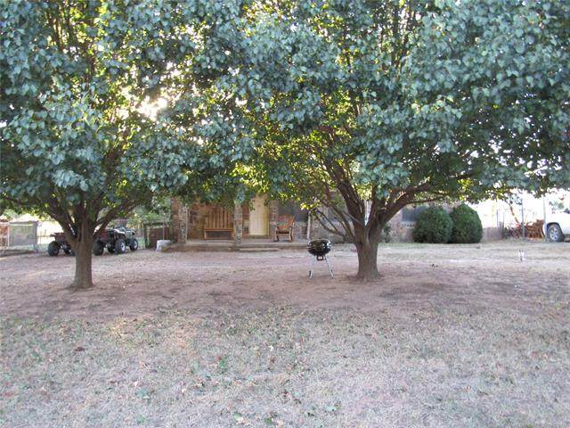 103578 S 4240 Road, Checotah, OK 74426 (#2133326) :: Homes By Lainie Real Estate Group