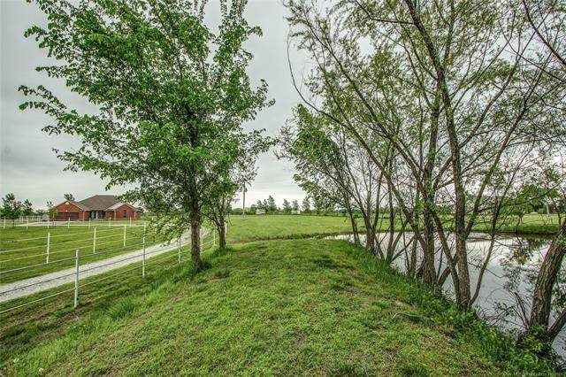 15527 S 385 East Avenue, Porter, OK 74454 (MLS #2133369) :: Hopper Group at RE/MAX Results
