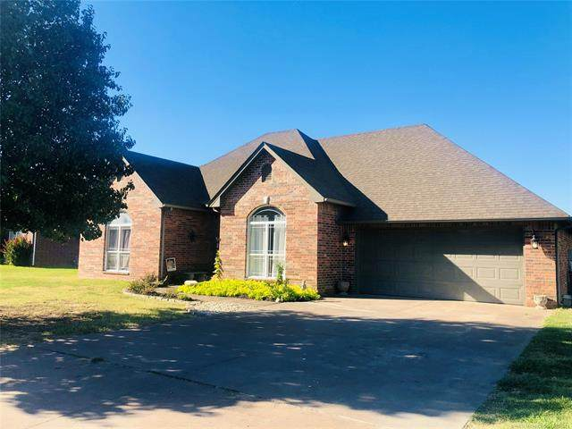 1418 Hickory Hill Drive, Fort Gibson, OK 74434 (MLS #2133378) :: Hopper Group at RE/MAX Results
