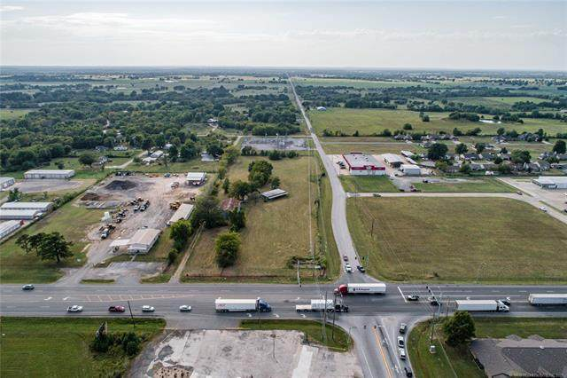 1604 S Hwy 69, Wagoner, OK 74467 (MLS #2133423) :: Hopper Group at RE/MAX Results