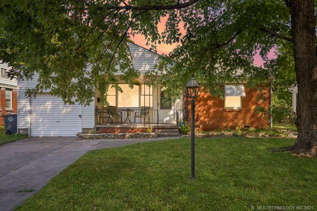 1465 E 52nd Place, Tulsa, OK 74105 (MLS #2133479) :: Active Real Estate