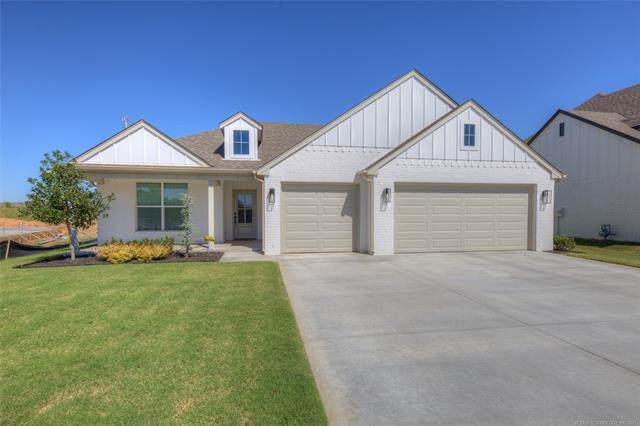 2039 E 138th Place, Bixby, OK 74008 (MLS #2133619) :: Hopper Group at RE/MAX Results