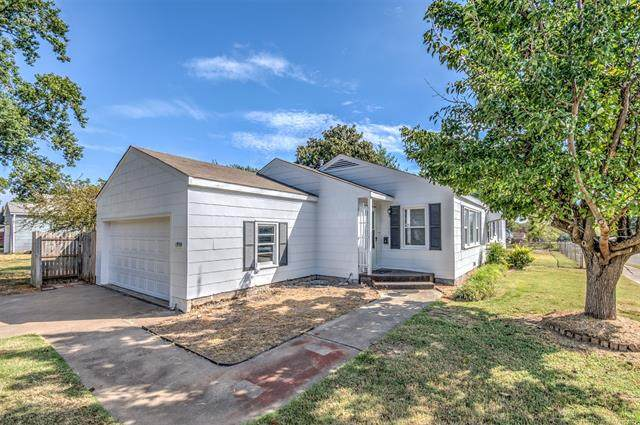 1950 S Dewey Avenue, Bartlesville, OK 74003 (MLS #2133843) :: Hopper Group at RE/MAX Results