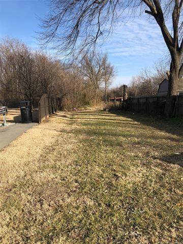 4543 N Lewis Avenue, Tulsa, OK 74110 (MLS #2133950) :: Owasso Homes and Lifestyle