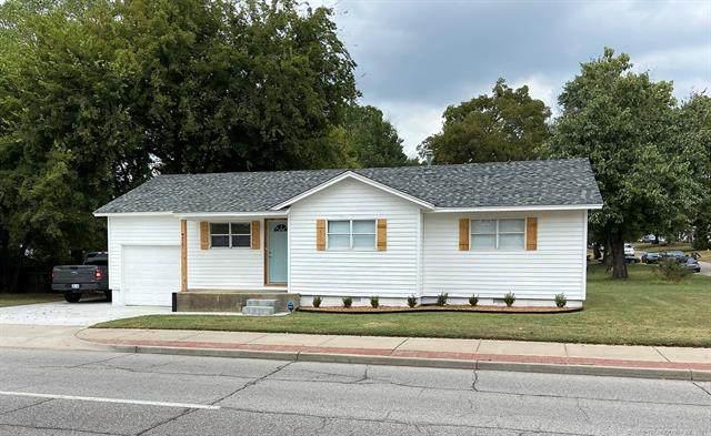 4217 E 15th Street, Tulsa, OK 74112 (MLS #2134484) :: Hopper Group at RE/MAX Results
