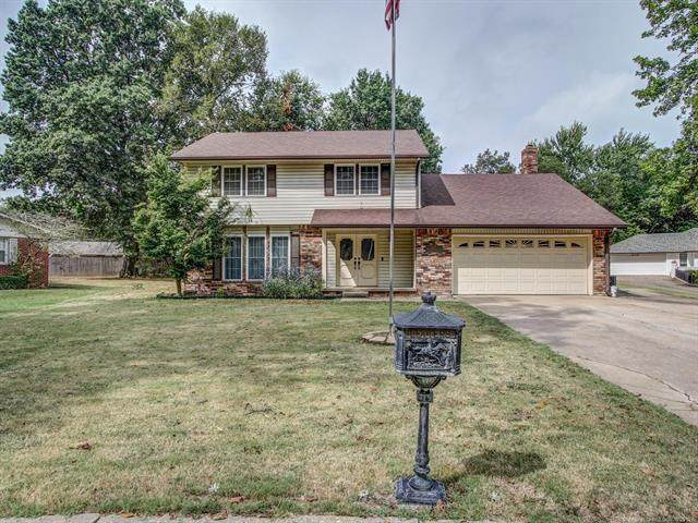 515 Cherry Point Lane, Pryor, OK 74361 (MLS #2134606) :: Hopper Group at RE/MAX Results
