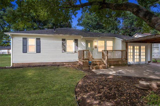 3928 S Madison Avenue, Tulsa, OK 74105 (MLS #2134845) :: Hopper Group at RE/MAX Results