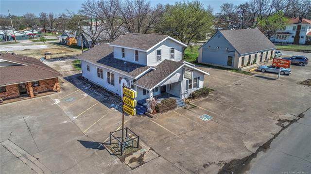 1017 E 6th Street, Okmulgee, OK 74447 (MLS #2134929) :: 918HomeTeam - KW Realty Preferred