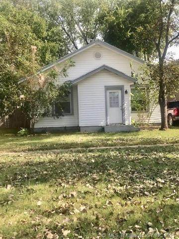 818 SW Jennings Avenue, Bartlesville, OK 74003 (MLS #2135279) :: Hopper Group at RE/MAX Results