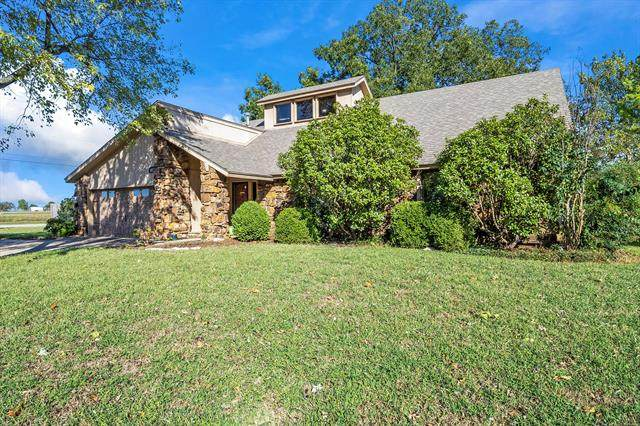 1023 N Forest Place, Jenks, OK 74037 (MLS #2135532) :: Hopper Group at RE/MAX Results