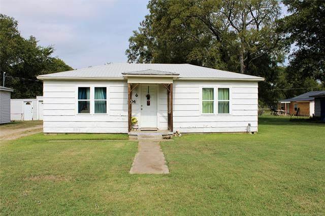 404 Summit Street, Marietta, OK 73448 (MLS #2135621) :: Active Real Estate