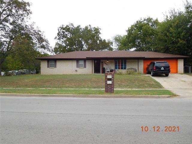 1001 NE 3rd Street, Ardmore, OK 73401 (MLS #2135629) :: 918HomeTeam - KW Realty Preferred