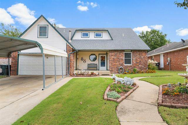 1704 S Missouri Avenue, Claremore, OK 74019 (MLS #2135772) :: Hopper Group at RE/MAX Results
