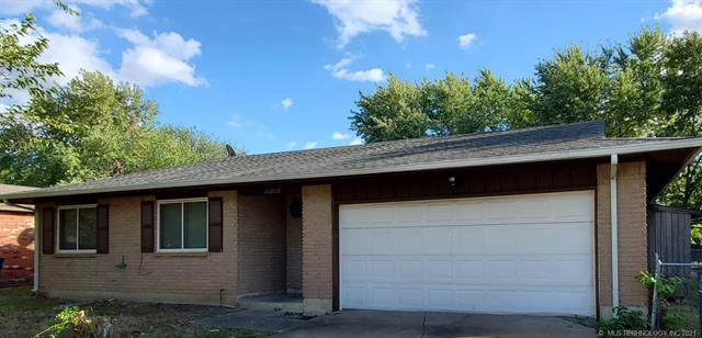 11010 E 37th Place, Tulsa, OK 74146 (MLS #2135781) :: 918HomeTeam - KW Realty Preferred