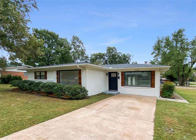 1102 13th Street, Wagoner, OK 74467 (MLS #2136099) :: Hopper Group at RE/MAX Results
