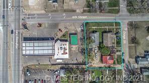 1022 E 8th Street, Okmulgee, OK 74447 (MLS #2136116) :: 918HomeTeam - KW Realty Preferred