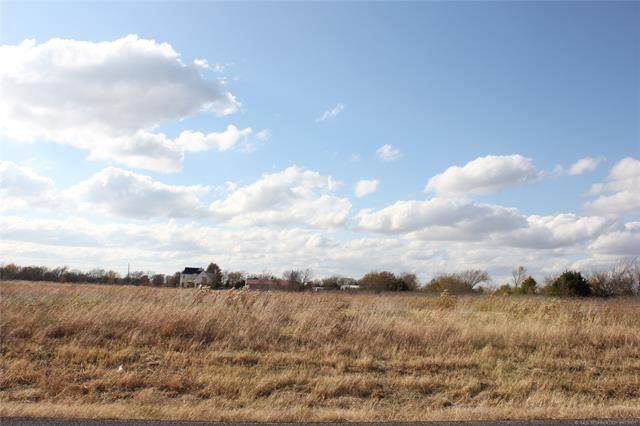 N Memorial Street, Collinsville, OK 74021 (MLS #2136147) :: 918HomeTeam - KW Realty Preferred