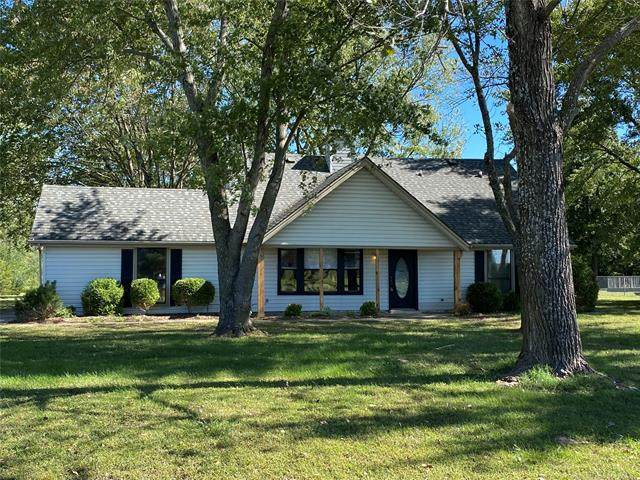 18047 Quail Meadow Drive, Claremore, OK 74017 (MLS #2136166) :: Active Real Estate