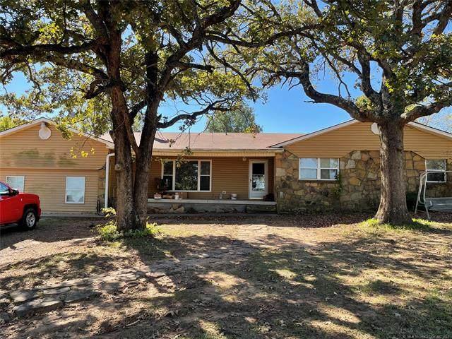803 Oak Drive, Henryetta, OK 74437 (MLS #2136253) :: Active Real Estate