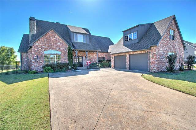 2201 E Woodland Circle, Muskogee, OK 74403 (MLS #2136271) :: Active Real Estate