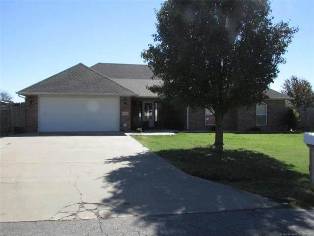 503 Checotah Drive, Checotah, OK 74426 (MLS #2136296) :: Active Real Estate