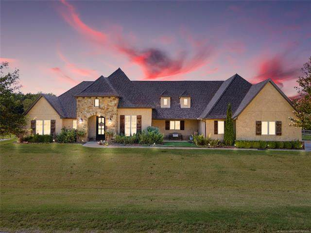 6930 N 194th East Avenue, Owasso, OK 74055 (MLS #2136374) :: The Gardner Real Estate Team