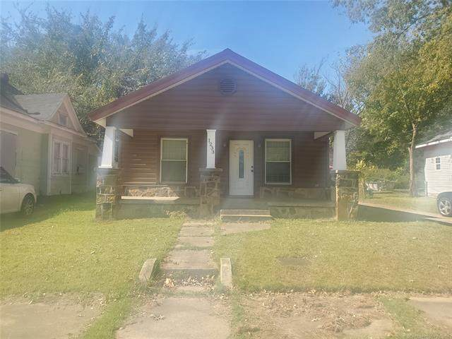 1233 Ash Street, Muskogee, OK 74403 (MLS #2136399) :: Hopper Group at RE/MAX Results