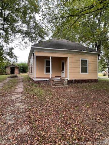 412 5th, Checotah, OK 74426 (MLS #2136612) :: Hopper Group at RE/MAX Results