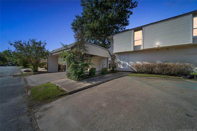 3122 S 101st East Avenue #102, Tulsa, OK 74146 (MLS #2136719) :: Hopper Group at RE/MAX Results
