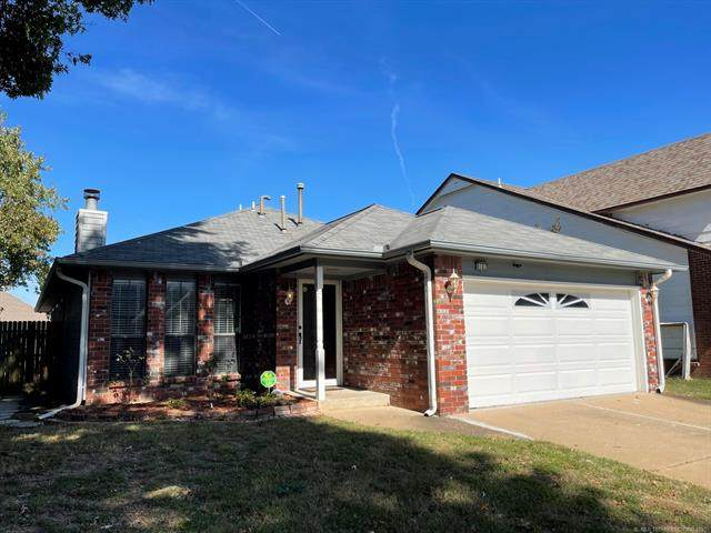 9107 E 87th Place, Tulsa, OK 74133 (MLS #2136729) :: Hopper Group at RE/MAX Results