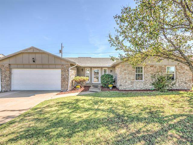 2114 Jefferson Road, Bartlesville, OK 74006 (MLS #2136780) :: Hopper Group at RE/MAX Results