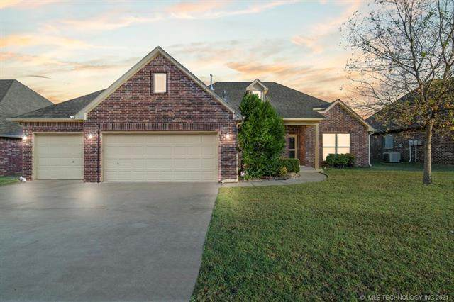 12311 E 69th Street North, Owasso, OK 74055 (MLS #2136852) :: Hopper Group at RE/MAX Results
