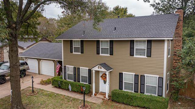 2413 W Driftwood Drive, Claremore, OK 74017 (MLS #2136875) :: Hopper Group at RE/MAX Results