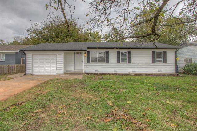 1009 S Elm Place, Broken Arrow, OK 74012 (MLS #2136885) :: Hopper Group at RE/MAX Results