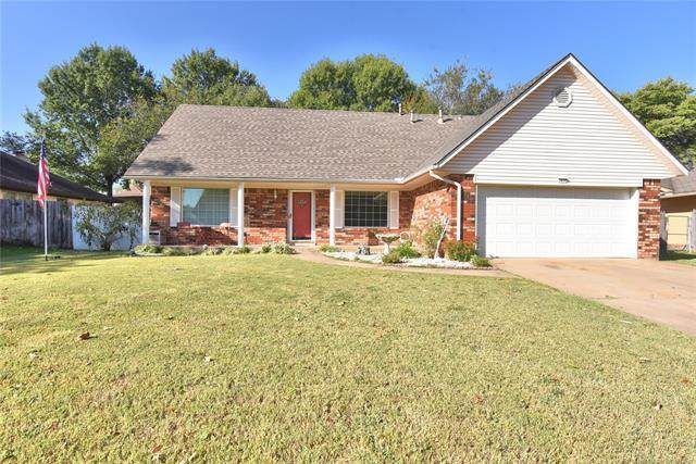 2617 W Ft Worth Place, Broken Arrow, OK 74012 (MLS #2136909) :: Hopper Group at RE/MAX Results