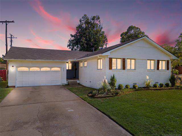 2437 S Norwood Avenue, Tulsa, OK 74114 (MLS #2136938) :: Hopper Group at RE/MAX Results