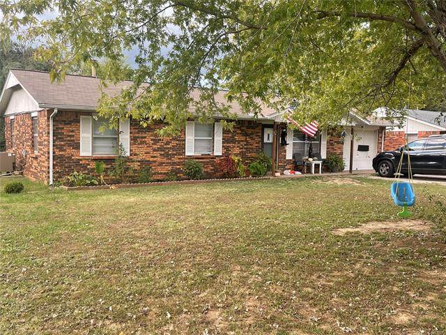 13848 S 297th East Avenue, Coweta, OK 74429 (MLS #2137026) :: Hopper Group at RE/MAX Results