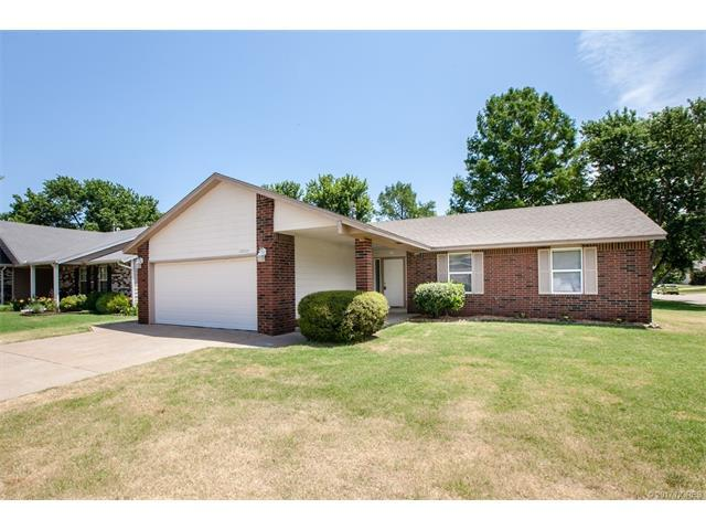 13217 S 85th East Place, Bixby, OK 74008 (MLS #1722255) :: The Boone Hupp Group at Keller Williams Realty Preferred