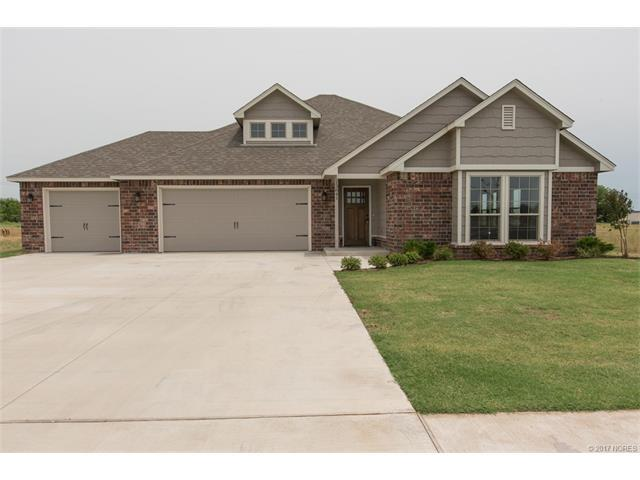 13841 N 132nd Avenue E, Collinsville, OK 74021 (MLS #1723074) :: The Boone Hupp Group at Keller Williams Realty Preferred