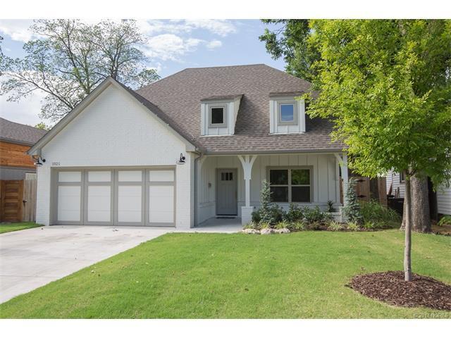 1021 E 39th Street, Tulsa, OK 74105 (MLS #1723607) :: The Boone Hupp Group at Keller Williams Realty Preferred