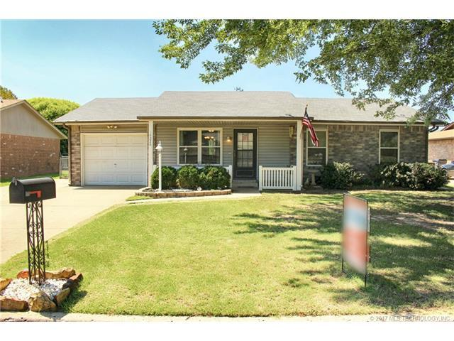 14228 S Nyssa Avenue, Glenpool, OK 74033 (MLS #1731236) :: The Boone Hupp Group at Keller Williams Realty Preferred
