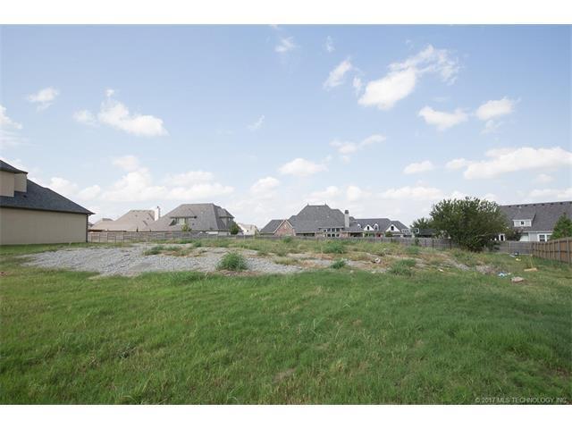 12752 S 4th Street, Jenks, OK 74037 (MLS #1735060) :: The Boone Hupp Group at Keller Williams Realty Preferred