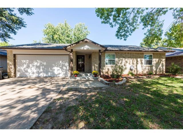 661 E 135th Place, Glenpool, OK 74033 (MLS #1738522) :: The Boone Hupp Group at Keller Williams Realty Preferred