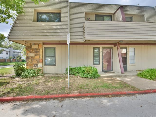 2209 E 67th Street #2107, Tulsa, OK 74136 (MLS #1738661) :: The Boone Hupp Group at Keller Williams Realty Preferred