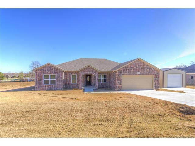 13561 S 238th East Avenue, Coweta, OK 74429 (MLS #1740929) :: The Boone Hupp Group at Keller Williams Realty Preferred