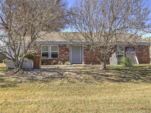 8737 E 27th Street #13, Tulsa, OK 74129 (MLS #1743392) :: The Boone Hupp Group at Keller Williams Realty Preferred