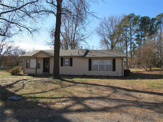 601 N Johnson Street, Fort Gibson, OK 74434 (MLS #1744616) :: The Boone Hupp Group at Keller Williams Realty Preferred