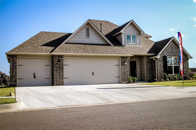 18614 E 45th Street S, Tulsa, OK 74134 (MLS #1744637) :: The Boone Hupp Group at Keller Williams Realty Preferred