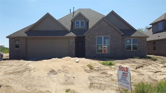 18507 E 45th Place S, Tulsa, OK 74134 (MLS #1744640) :: The Boone Hupp Group at Keller Williams Realty Preferred