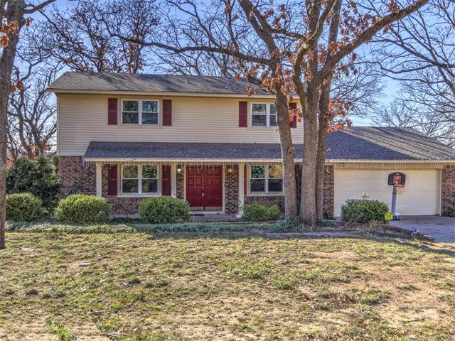 124 E 118th Street S, Jenks, OK 74037 (MLS #1744773) :: The Boone Hupp Group at Keller Williams Realty Preferred